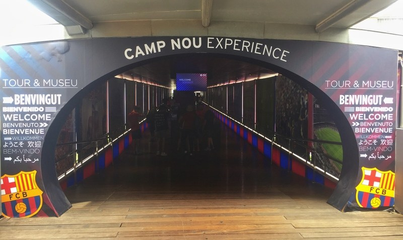 camp-nou-photo-entrance[1].jpg